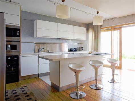 kitchen islands  seating hgtv