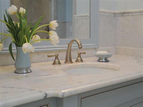 31 New Bathroom Vanities Without Backsplash
