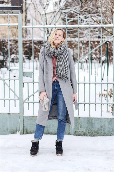 Walking in a winter wonderland Snow is falling finally