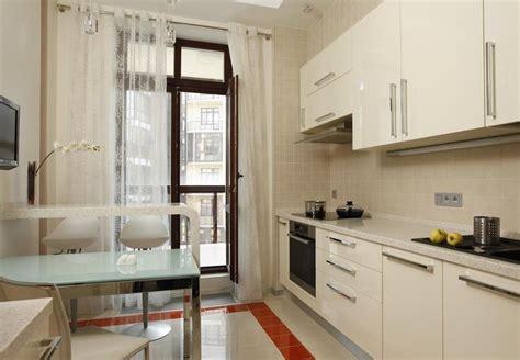 Дизайн кухни с балконом (12 фото), отзывы, советы