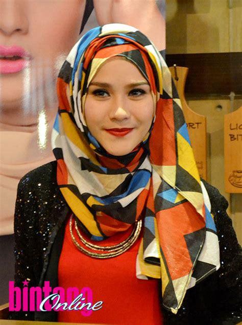 hijab ala zaskia adya mecca tutorial pashmina  anita scarf