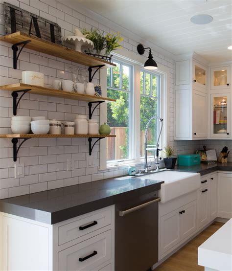 kitchen sconce lighting modern farmhouse design style 2522