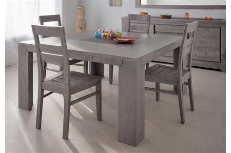 chambre a coucher grise table de repas en bois carrée chêne gris trendymobilier com
