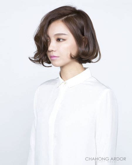 soft bold perm short hairstyle   coiffure mode