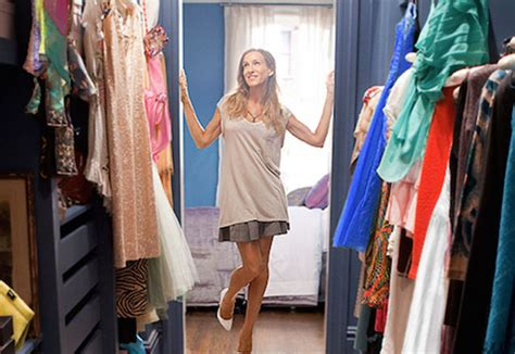 tips to cleaning out your closet for the new year