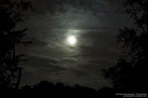 Slow Shutter Speed Nighttime Photography of the Moon ...