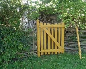 petit portail en bois porte de jardin en aluminium With fabriquer un portail de jardin en bois