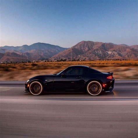 Представяме ви един уникален автомобил: #Mazda Miata!   Mazda roadster, Mazda mx5 miata, Mazda mx5