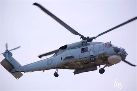 70c in f 海軍反潛直昇機有s 70c m 1及s 70c m 2兩型