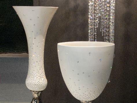 vasi ceramica design al salone mobile i vasi preziosi in ceramica di