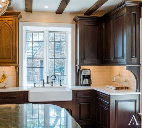 how to remodel kitchen cabinets 96 best tudor kitchen images on kitchens 8865