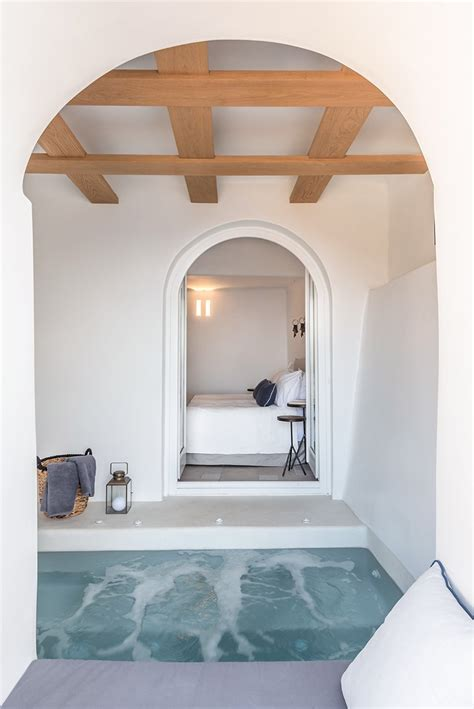 interior design laboratorium renovates scenic suites