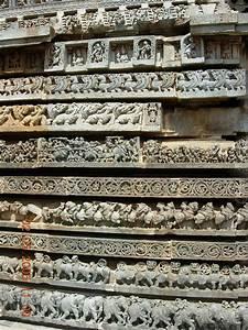 File Ornate Molding Frieze At Hoysaleshwara Temple