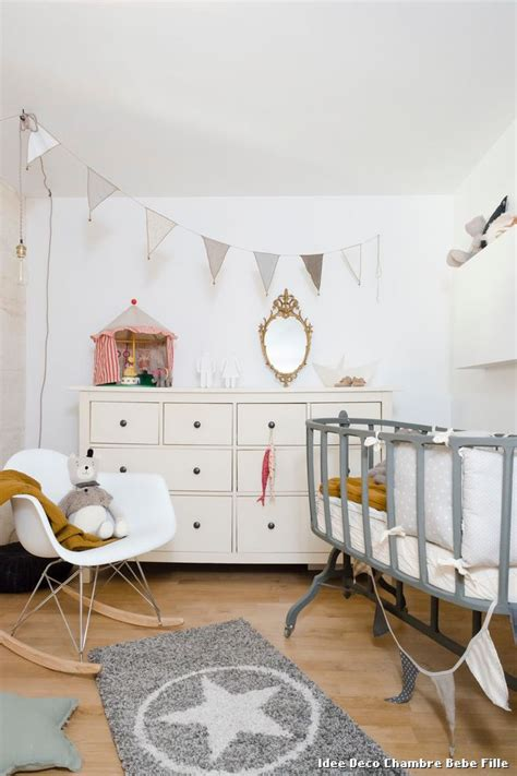 idee deco pour chambre bebe fille idee pochoir chambre fille paihhi