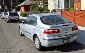 The Street Peep  2004 Renault Laguna Liftback