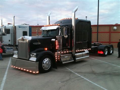 kenworth truck black kenworth w900 keep on truckin pinterest rigs