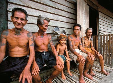 malaysia borneo sinfonie tropischer gruentoene reise