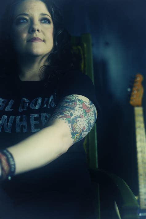 ashley mcbryde   country artists