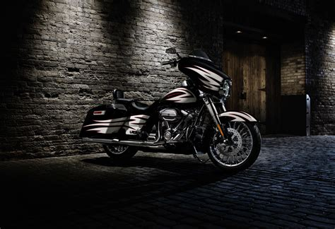 Harley Davidson Road King 4k Wallpapers by 2017 Harley Davidson Glide Hd Wallpaper
