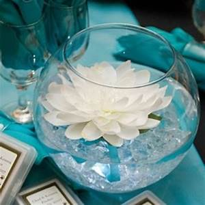 Center Table Design With Glass Love This Centerpiece And The Teal Table Cloth Kate 39 S