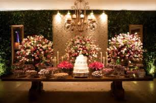 classico design decoração de casamento rosa e bordô peguei o bouquet