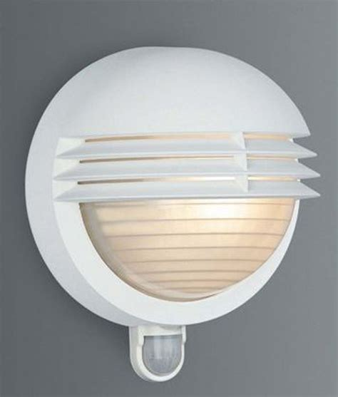 massive 01300 01 31 boston ip44 outdoor white wall light