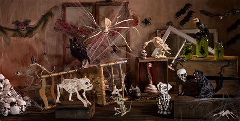 Halloween Scene Setters Amazon by Halloween Skeleton Decorations