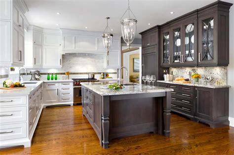 grand classique cuisine couleurs agréable pour une cuisine déco moderne et