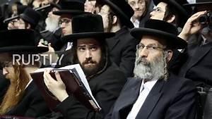 USA: 20,000 ultra-Orthodox Jews protest Israeli draft law ...