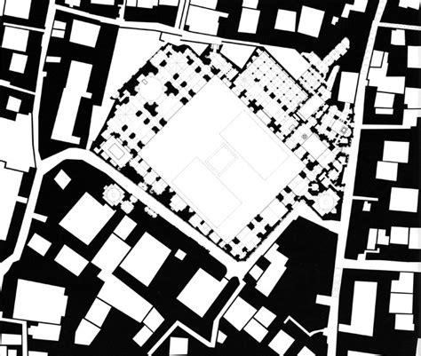 building site plan masjid i hakim figure ground plan showing interlocking