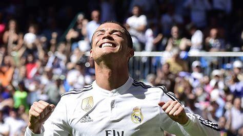 Cristiano Ronaldo closes in Lionel Messi's 50-goal mark ...