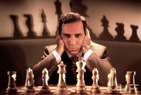 Chess Grandmaster Garry Kasparov Says Putin Is A Poker Player