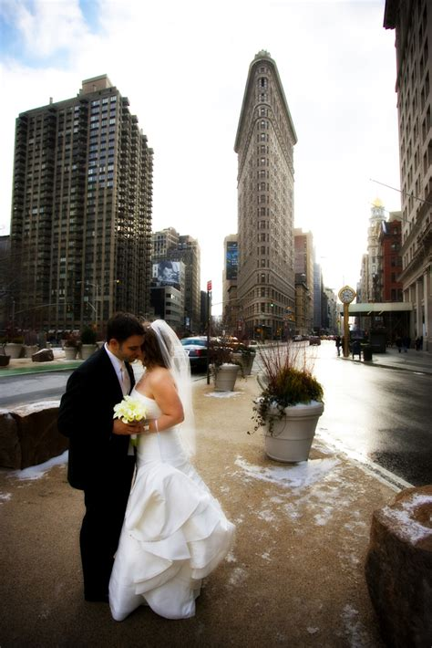 wedding photographers nyc what to see while choosing a new york wedding photographer
