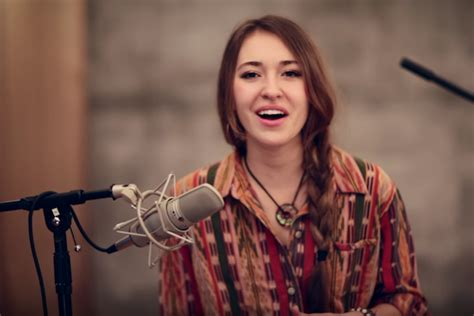Lauren Daigle Breathes New Life Into 'in Christ Alone