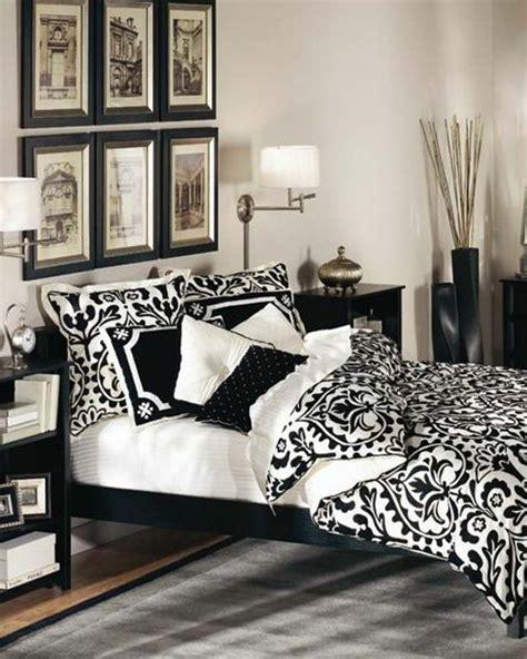 deco chambre noir déco noir et blanc chambre à coucher 25 exemples élégants