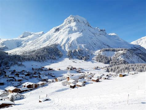 It offers accommodation units in modern alpine style with free wifi. Lech Zürs am Arlberg Snow Report | OnTheSnow