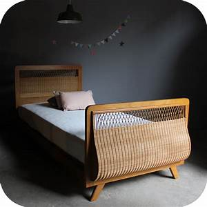 Lit Enfant Vintage : lit enfant bois et rotin vintage c403 atelier du petit parc ~ Teatrodelosmanantiales.com Idées de Décoration