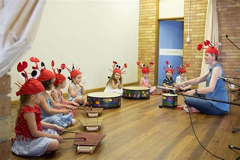 They're singing, games, playing, interacting with other toddlers and having fun with your little one. Music Classes for Toddlers and Babies with Wee Make Music | Brisbane Kids