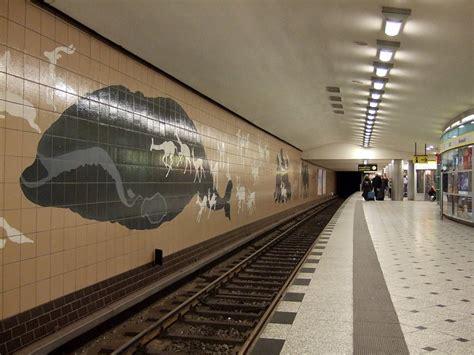 Ubahnhof Zoologischer Garten Kreuzungspunkt Mit Der U2
