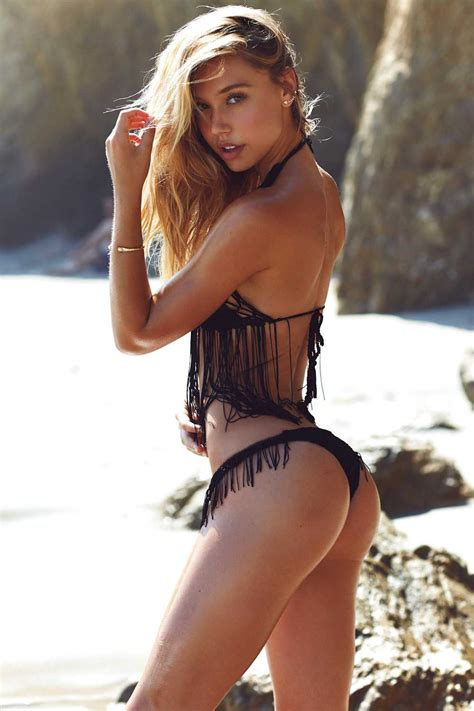 Alexis Ren Sexy (9 New Photos) | #TheFappening
