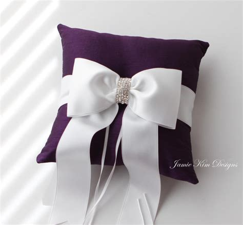 beautiful ideas of wedding ring cushions