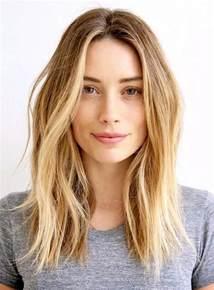 couper cheveux coupe de cheveux femme mi les dernières tendances 2017 coiffure simple et facile