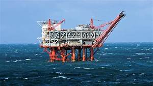 Offshore oil rig in Gulf of Mexico - Consumer Energy Alliance