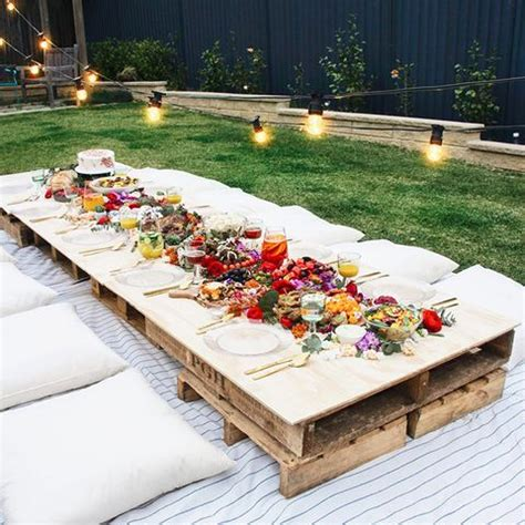 14 Best Backyard Party Ideas for Adults Summer