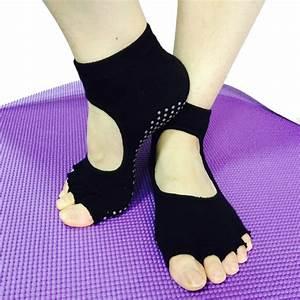 Fournisseur chaussettes yoga fitness pilates sunsia for Tapis de yoga avec canape sun