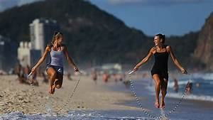 World's Best Jump Rope Sisters - Rope Skipping Duo - YouTube