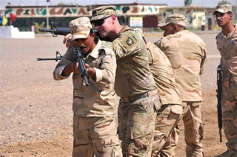 st airborne soldiers build elite iraqi force