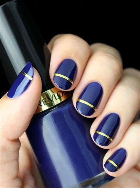 10 самых модных лаков для ногтей зимы2020 белый металлик и другие . Журнал Cosmopolitan