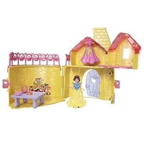 Cottage Biancaneve Cottage Disney Store Casa Di Biancaneve E I Sette Nani