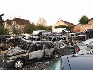 Garage Montceau Les Mines : montceau voitures incendi es cette nuit l 39 informateur de bourgogne ~ Medecine-chirurgie-esthetiques.com Avis de Voitures